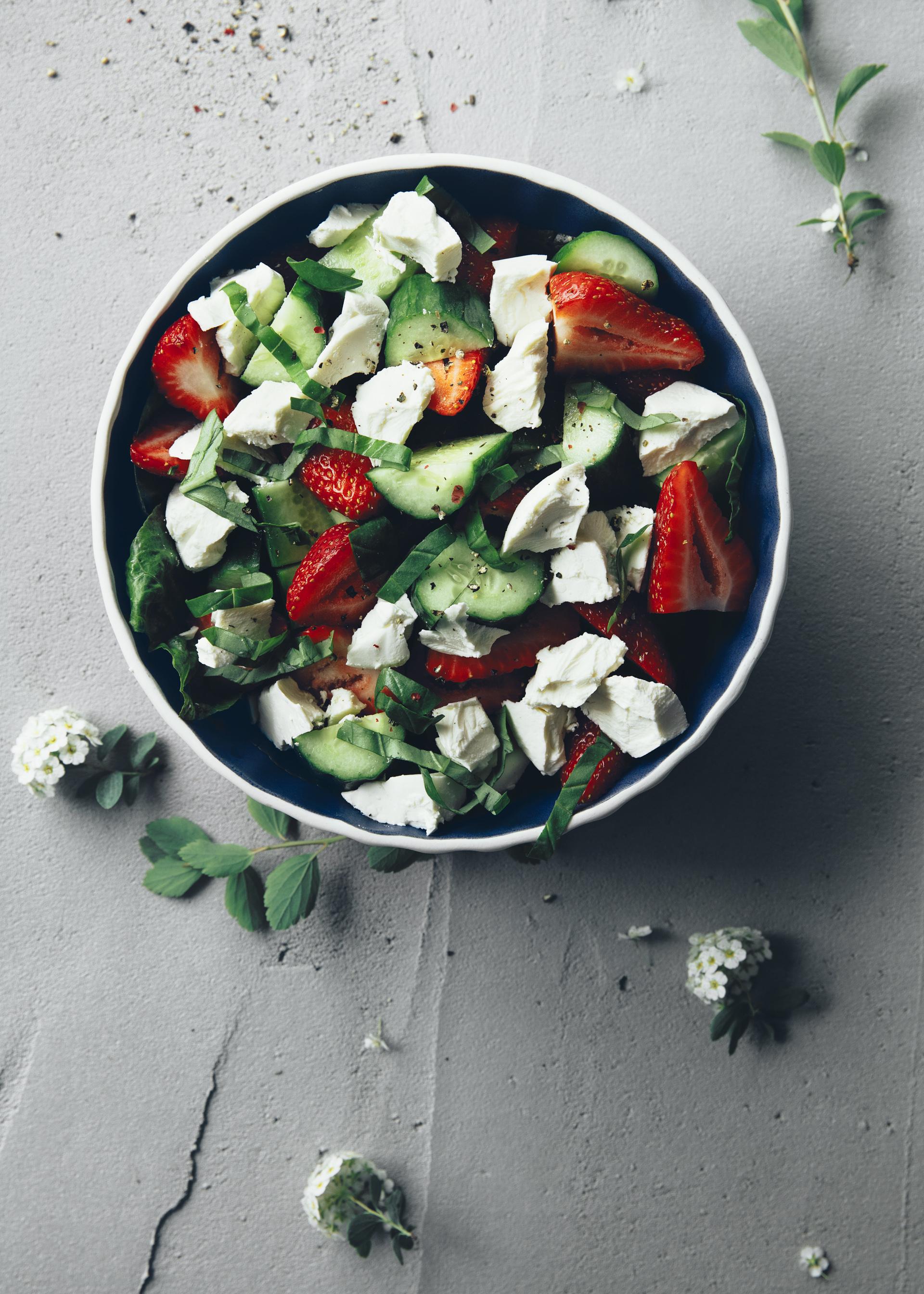 Salade d'été aux fraises et Péningouin